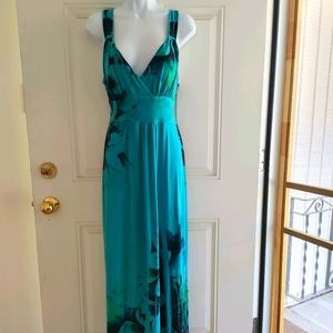 Maxi dress by Connected